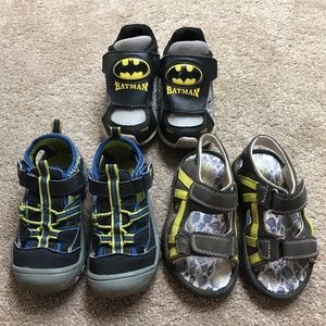 5/$25 Boys sneaked and sandals size 8 Lot Of 2